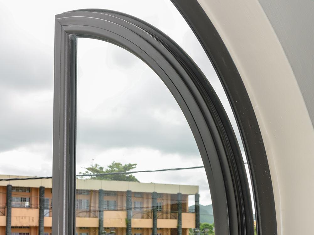 Ouvertures circulaires en aluminium